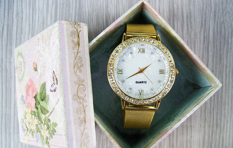 Wrist Watch | diwali gifts for office staff